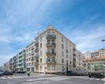 Apartamento T3+1 com 108 m2, em Prédio De Traça Clássica.