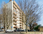 Apartment T2, located near the Torres de Lisboa,Benfica in very good condition