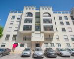 Apartamento T2 em Massamá na zona da 6ª Fase, divisões com ótimas áreas e uma arrecadação.