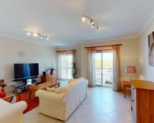 Appartement de 3 chambres avec de grandes surfaces à Tavira