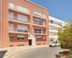 Apartamento T2 com varanda, localizado no centro de Tavira