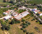 Armazém com escritório, Área total de 1587 m2, Localizado na Amaro Gonçalves - Luz de Tavira