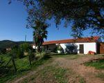 Quinta com duas casas, estábulos, uma baragem e 12ha perto do Algarve, Saboia, Odemira