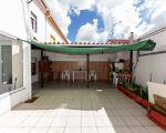 Moradia Rc com garagem e dois quintais, bairro do Granito