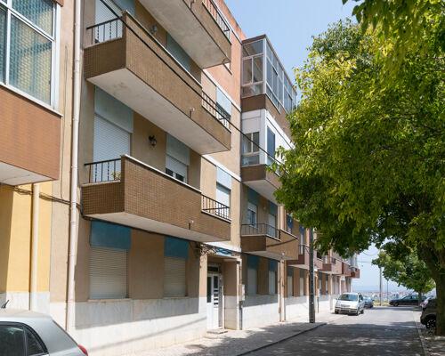 Apartamento de 4 assoalhadas no Pragal, ALMADA