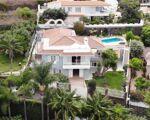 villa independiente con piscina en Santa Ursula