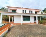 Maison individuelle de cinq chambres (V4+1) à Garajau, Caniço, Madère
