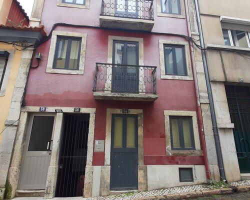 Estúdio a 170 m da Praça da Alegria, no Bairro Alto, em pleno coração de Lisboa.