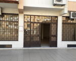 Loja - para venda com uma excelente montra e de 2 pisos e em ótima localização na Damaia