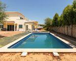 Moradia T4 com piscina - Urbanização Zona Alta
