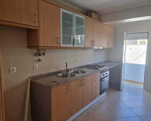 Excelente T1+ Terraço para arrendamento - Centro Amadora