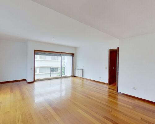 Apartamento T4 Duplex na Maia