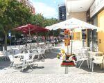 Excelente Pastelaria /Restaurante com fabrico próprio . Na  principal rua de Vila Franca de Xira .( Rua Alves Redol)