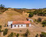 Quinta com 73125 m2 de terreno e 750 m2 de area urbana