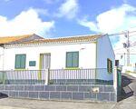 Moradia T2 , situada na  Vila de Porto Judeu.