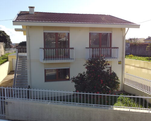 Bi-Family House | T3 + T2 for Sale | Gueifães | Maia