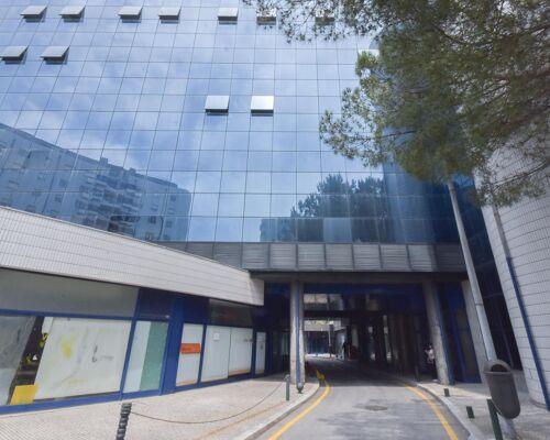 Arrendamento   Escritório c/ 60 m2 no edifício Mota Galiza (Porto)