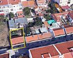 Moradia devoluta com pequeno quintal   para reconstrução na Baixa da Banheira (Ler com atenção)