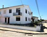 Moradia renovada, T3 com garagem, no Cais Novo (Darque)