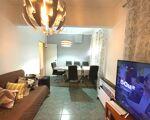 T2 em cave de prédio, com 65 m2 de área total, em zona de comércio e serviços