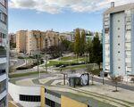 Apartamento T3 transformado em T2 em Almada - Chave na mão, é só entrar!