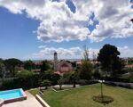 Apartamento T3, a 500m da Praia da Parede, em Condomínio Santo António. Vista de Mar. Piscina, a 500m da Praia da Parede e Marginal, Jardim.