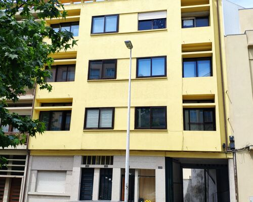 Apartamento T2 para arrendar ao metro de Faria Guimarães