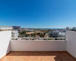 Penthouse com piscina e excelente vista mar