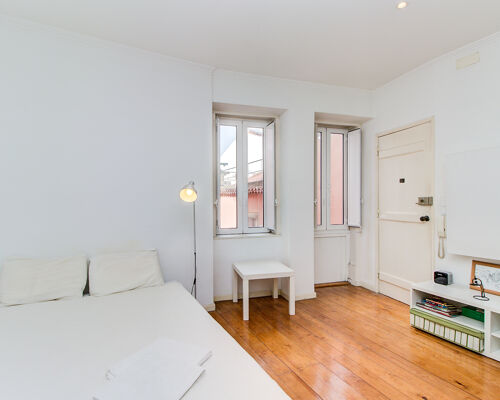Excellent studio in one of the historic centers of the city! Guaranteed profitability!