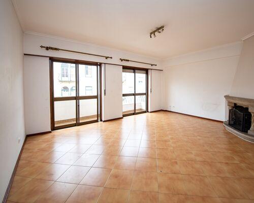 T3 Apartment with Parking in Bairro de Santos