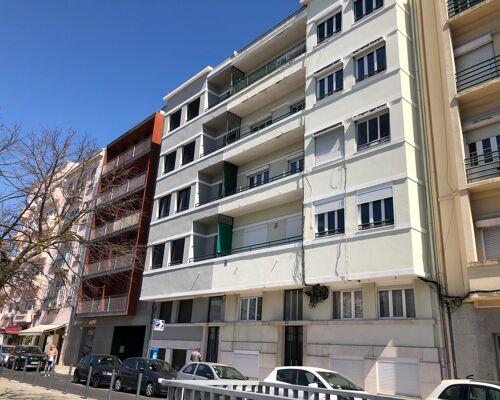 Apartamento T2+1 na Rua Marquês Sá da Bandeira nº 116 nas Avenidas Novas