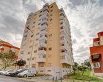 2 bedroom apartment (3 rooms) located in Borel, Venteira, Amadora