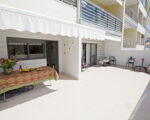 T2 for rent in Cascais with terrace and garage box!