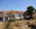 Moradia T2 + ruína em terreno com 387.220 m2 em S.Marcos da Serra