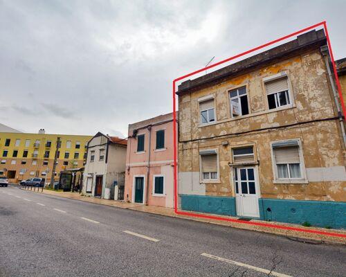 Prédio Residencial no Bairro da Liberdade  Rua B Campolide