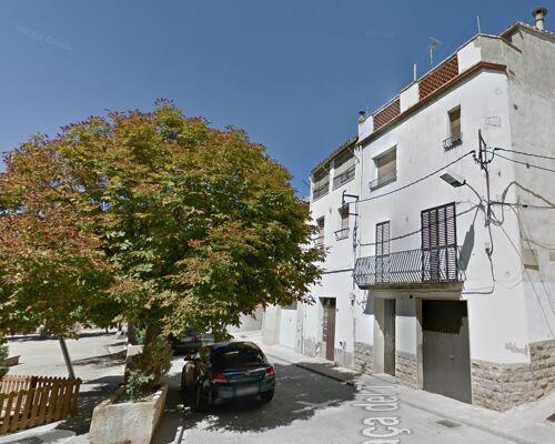 Casa de pueblo con dos pisos independientes en Arbeca (Lleida)