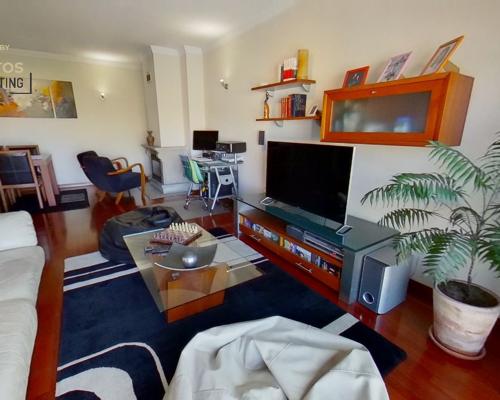 Apartamento T2 em Águas Santas (Maia) | Lugar de garagem + arrumo