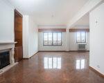 Apartamento T4 Benfica com vista desafogada