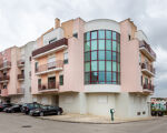 Excellent 2 bedroom apartment in Rua Candido dos Reis, Vialonga, with a parque view!