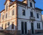 Moradia T8 de traça antiga em Souselas