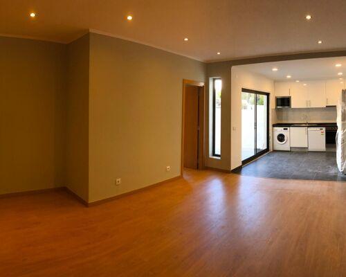 Apartamento T1+1 com Terraço