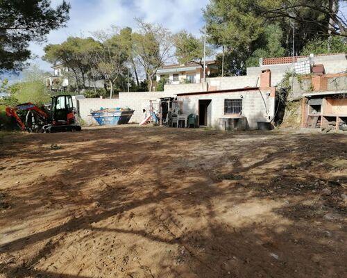Quieres construir la casa de tus sueños ? Aquí tienes el terreno y podemos ayudarte con el proyecto que desees !!!!
